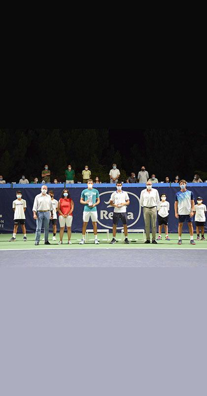 Foto premios Torneo 25 Aniversario Equelite by Reina.